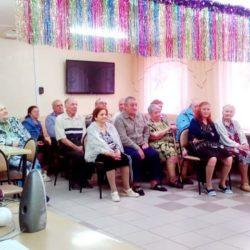 В гостях у дедушек и бабушек